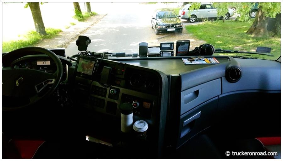 kabina-renault-t460