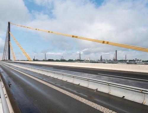 Niemcy. Autostrada A40 – most na rzece Ren kierunek Venlo-Duisburg ZAMKNIĘTY dla samochodów ciężarowych.