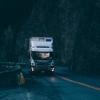 Kłopotliwy zapis w ustawie o transporcie drogowym. Kierowcy o pracę w nocy pytają na potęgę.
