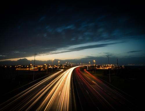 Pomiary nowego oświetlenia LED na autostradowej obwodnicy Poznania (w nocy, z 16 na 17 czerwca 2020