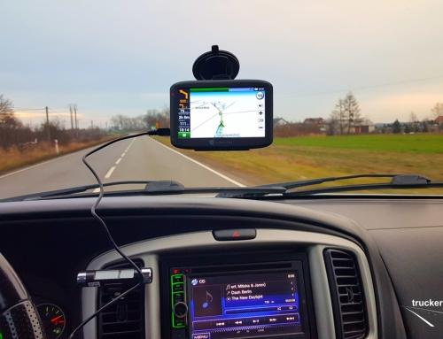 Kierowca zawodowy w trasie. Test nawigacji NAVITEL E500 5″. DARMOWA DOŻYWOTNIA AKTUALIZACJA MAP
