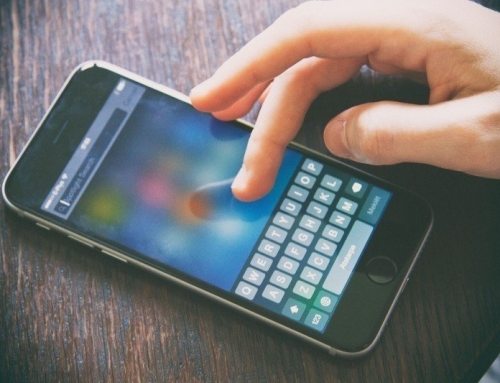 """""""Kierowca za granicą"""". Aplikacja na smartfon dla kierowców zawodowych w międzynarodówce, z zakresu pomocy konsularnej."""