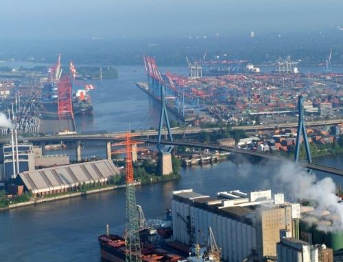 """Köhlbrandbrücke – słynny """"wisielec"""" w Hamburgu ma nowe ograniczenia odległości pomiędzy ciężarówkami."""