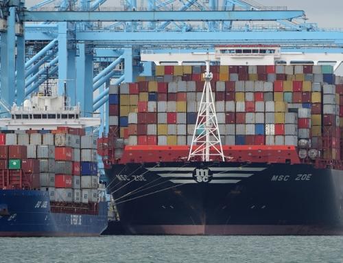 Kontenerowiec MSC ZOE stracił 270 kontenerów podczas sztormu na Morzu Północnym.
