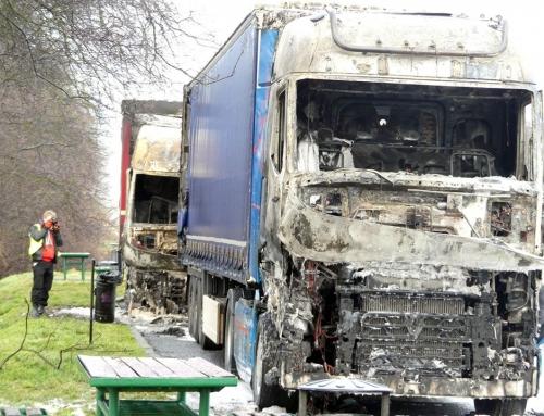 Podpalenie samochodów ciężarowych na parkingu przy obwodnicy Lubrzy – Policja poszukuje świadków…