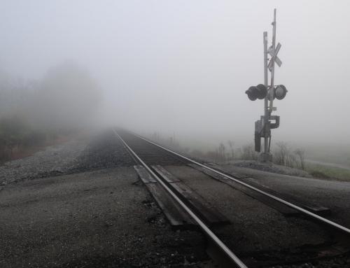 Technologia zabezpieczy przejazdy kolejowe. Testy Urzędu Transportu Kolejowego rozpoczną się niebawem.