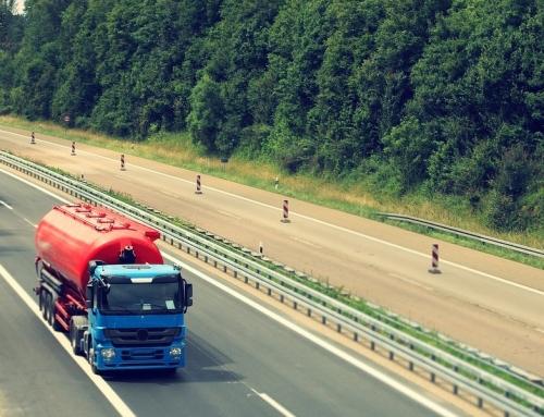 Telematyka – kierowcy ciężarówek z Polski pracują mimo trudności, jakie stawia przed nimi koronawirus.